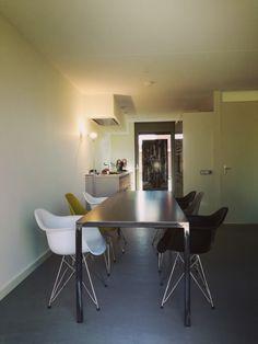 Table industriel fer musure services avec Elizabeth & Marcel ronda Maastricht