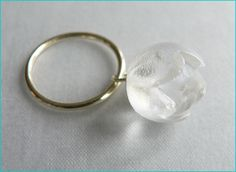 Marian Sturkenboom (NL) 'perfect day' - reap-ring-berry ring - gold, resin