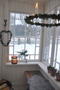 Vita Verandan: glasveranda - New Ideas Three Season Room, Scandinavian Home, Scandinavian Christmas, Yule, Christmas Inspiration, Cottage Style, Old Houses, My Dream Home, Beautiful Homes