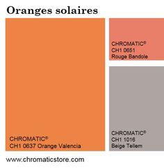 Les oranges solaires restent une valeur sure en décoration, légèrement ponctués de tons de corail.   Ils se marient également avec des gris chauds ou métalliques : ainsi, les ambiances s'adoucissent tout en conservant un caractère vitaminé.