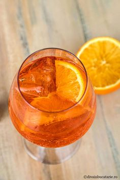 Aperol Spritz prepared at home – winter drinks Bloğ Cocktail Drinks, Alcoholic Drinks, Cocktails, Whiskey Sour, Winter Drinks, Ginger Beer, Jamie Oliver, Bloody Mary, Mojito