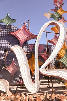 Las Vegas: Visiting the Neon Boneyard - Hither & Thither Beautiful Pictures, Beautiful Places, Neon Museum, Electric Signs, Photo Wall Collage, Las Vegas Strip, Aesthetic Wallpapers, Signage, Neon Signs