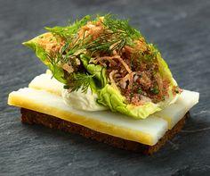 Koldrøget hellefisk: smørrebrød fra Aamanns Deli og Takeaway