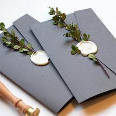 How pretty do these pockets look?! 😍 We love how @michellereneecalligraphy dressed them up with touches of greenery and white wax seals 🌿 . . . . #weddinginvitations #invitationdesign #papergoods #weddingideas #invitations #weddinginspiration #paperlove #weddingpaper #stationery #engaged #bridetobe #weddingplanning #weddingstationery #weddinginvitation #bespoke #diywedding #instawedding #pocketinvitations #pocketinvitation #waxseals #elegantweddinginvitations #waxseal #waxsealstamp #...