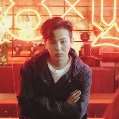 😊😊😊 - - - P̶E̶A̶C̶E̶M̶I̶N̶U̶S̶O̶N̶E̶ - 🌸 🌸 🌼 🌸 🌸 ➖➖➖➖➖➖➖➖➖➖➖➖➖➖ #kwonjiyong #gdragon #gd #bigbang #vip #jiyong #peaceminusone… Seungri, Gd Bigbang, Bigbang G Dragon, Yg Entertainment, K Pop, G Dragon Fashion, Gd & Top, G Dragon Top, Instyle Magazine