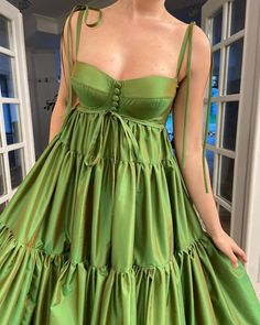 Details: -Exquisite taffeta fabric -Luscious lime green color -Higher waist definition with horizontally layered skirt -For special occasions Style Outfits, Mode Outfits, Pretty Outfits, Pretty Dresses, Beautiful Dresses, Fashion Outfits, Mode Hippie, Mode Chanel, Mode Abaya