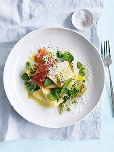 Pea, artichoke and prosciutto open lasagne. A 20 minute recipe by Donna Hay Gnocchi Recipes, Risotto Recipes, Pasta Recipes, Dessert Recipes, Lasagne Recipes, Pizza, Prosciutto, Ravioli, Pasta Dishes