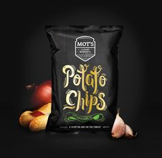 Packaging & Branding design for a new snacks manufacturer.Mot's is a new luxury snacks brand, that produces high quality products for your best moments. Those potato chips have been cultivated in the best conditions: dark area, gather by night, fried li… Chips Packaging, Apple Packaging, Packaging Snack, Cool Packaging, Food Packaging Design, Packaging Design Inspiration, Brand Packaging, Branding Design, Label Design