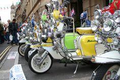http://upload.wikimedia.org/wikipedia/commons/8/8b/Bristol_Mod_Scooter_Club_2.jpg