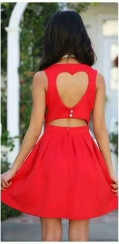 Love this dress! Dressy Dresses, Casual Summer Dresses, Stylish Dresses, Red And White Outfits, New Fashion Trends, Western Outfits, Dress Backs, Passion For Fashion, Fashion Outfits