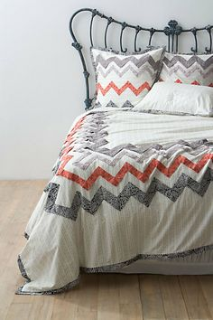 Absolutely in love with this chevron bedding. Plus the colors are so great!