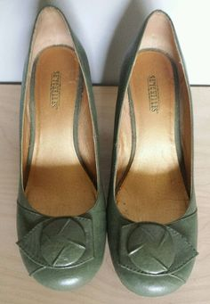 Seychelles Green Leather Wedge Shoes Rounded Toe with Button Accent Sz 8.5 #Seychelles #PlatformsWedges