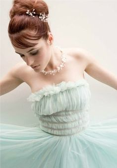 Twirl. Alternative wedding dress