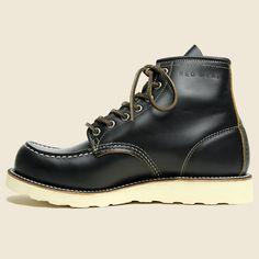 Limited Edition Irish Setter Moc Toe - Black Klondike Red Wing Heritage Boots, Red Wing Boots, Me Too Shoes, Men's Shoes, Wing Shoes, Red Wing Moc Toe, Fashion Boots, Mens Fashion, Kim Kardashian Kanye West