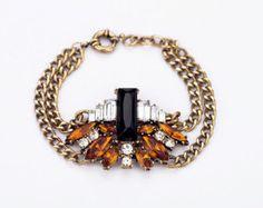 Rhinestone bee bracelet, vintage bracelet, antique bracelet, rhinestone bracelet, black crystal charm bracelet, NR0869