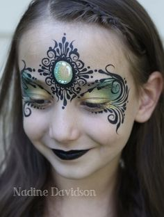 Nadine Davison - Dark Princess Face Paint Love that it's only two loads yet SOO lush and detailed.