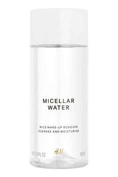 Acqua micellare: Acqua micellare che deterge e idrata la pelle mentre rimuove make-up e impurità. Senza alcool. 150 ml.
