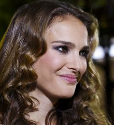 Natalie Portman dropped some serious knowledge in her interview with James Lipton on Inside the Actor's Studio. Lipton brought up something Portman had mentioned in a previous interview — how she had… Natalie Portman Age, John Stevens, Kevin Kline, Katheryn Winnick, She Movie, Elizabeth Olsen, Sophia Loren, Jena, Beauty Hacks