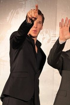 Benedict Cumberbatch telling J.J. Abrams in which direction the director should wave his hand. Star Trek promotion in Japan.