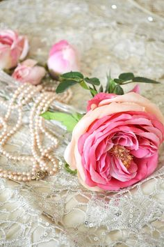 Pearls and Roses ✿⊱╮