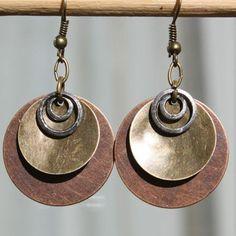 modèle diy boucle d'oreille en bois et métal à fabriquer soi meme, style africain
