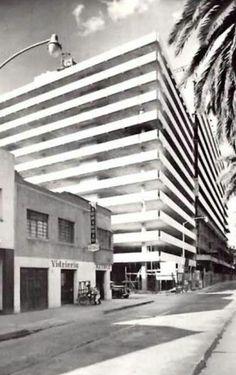 Av. Nuevo León y Cadereyta, edificio plaza condesa a finales de los años 50's