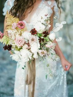Romantic bridal bouq