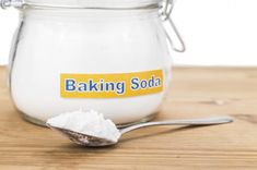 SIDE EFFECTS of Drinking BAKING SODA Water: Baking Soda Dos and Don'ts. Is there really a miracle product sitting in the back of your fridge -- something che. Baking Soda For Skin, Baking Soda Scrub, Baking Soda Water, Baking Soda Uses, Drinking Baking Soda, Effects Of Drinking, Pro Cook, No Rise Bread, Sodium Bicarbonate