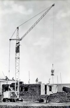 Liebherr - Manufactured 3,417 times uring 1954 and 1966: The tower crane Form 8A!