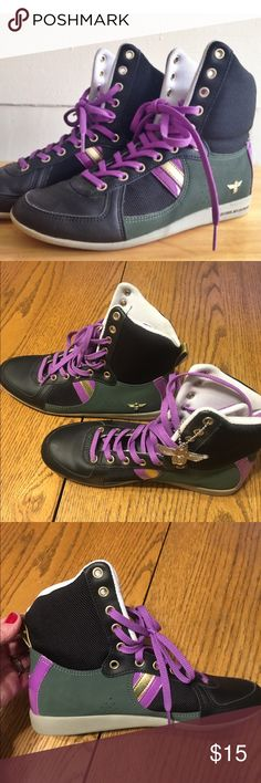 Creative reaction high top shoes These shoes are in great shape and have lots of wear left in them. They are 6 1/2 but run a little snug. Creative Recreation Shoes Sneakers