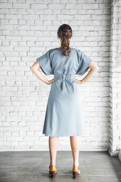 Kimono Dress with pockets (!) and elasticated belt - in organic cotton twill. Tonic & Cloth makes 'Monday clothes that feel like Sunday' Brunette Models, Blonde Model, Kimono Style Dress, Shirt Dress, Feel Like, Looks Great, Organic Cotton, How To Make, How To Wear