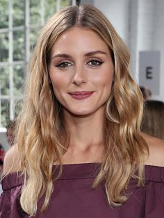 Olivia Palermo Photos Photos - Olivia Palermo attends the Tibi fashion show during New York Fashion Week at Industria Studios on September 2016 in New York City. - Tibi - Front Row - September 2016 - New York Fashion Week Olivia Palermo Hair, Estilo Olivia Palermo, Olivia Palermo Style, Redhead Hairstyles, Pretty Hairstyles, Hair Inspo, Hair Inspiration, Berry Lipstick, Hair Color And Cut