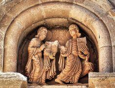Detalle del tímpano de la #PuertadelObispo de la #CatedraldeZamora. (Foto de www.fotoviajero.com) www.romanicozamora.es