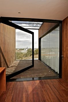 Wall glass door in Casa EPR by Luis Aldrete