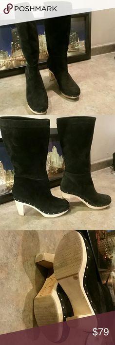 BANANA REPUBLIC Woman Heel Boots Size 9  M EUC Banana Republic Shoes Heeled Boots