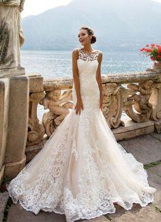 Spitzenkleid Meerjungfrau, bodenlang, ärmellos, elegant und stilvoll, in Weiß