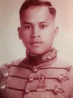 """Future chief of police and senator Ronald """"Bato"""" dela Rosa graduated from the Philippine Military Academy in 1986, as part of the Sinagtala class. #kasaysayan #pinoyclasspicture Class Pictures, Military Academy, Back In Time, Pinoy, Police, Future, Future Tense, Law Enforcement"""