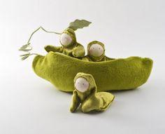 Waldorf Style Plush Green Pea Pod Peapod Eco-friendly Stuffed Toy Play Set for Children