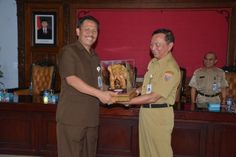 Belajar Transparansi Anggaran, Mahasiswa STISIPOl Dharma Wacana Metro KKL Ke…