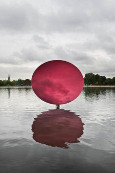 Anish Kapoor, Sky Mirror, Red, 2009, Stainless steel and laquer, 274 x 290 x 146 cm, Kensigton Gardens, 2010