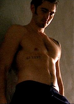 Lee Pace. So this is what Thranduil would look like shirtless....excuse me....*faints*.