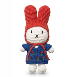 The handmade Miffy Knitted Toy by Just Dutch is a beautiful soft toy based on the iconic story book character Miffy by Dick Bruna. Miffy the bunny is Crochet Dollies, Crochet Toys, Kids Crochet, Knitted Coat, Knitted Dolls, Big Head Baby, Bunny Hat, Miffy, Red Hood