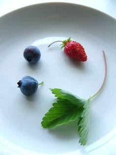 home-grown blueberries & wild strawberry  ブルーベリー&野苺
