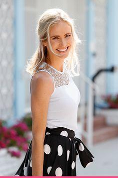 Ihana kesä pistää hymyilemään! One Shoulder, Blouse, Tops, Women, Fashion, Moda, Women's, La Mode, Shell Tops