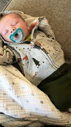 Cute Little Baby, Little Babies, Cute Babies, Baby Kids, Baby Tumblr, Cute Baby Pictures, Baby Family, Cute Baby Clothes, Baby Boy Newborn