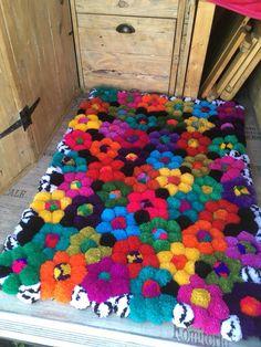 purple and grey pom pom rug Diy Pom Pom Rug, Pom Pom Crafts, Yarn Crafts, Pom Poms, Pom Pom Flowers, Childrens Rugs, Crafts To Make And Sell, Handmade Headbands, Craft Stick Crafts
