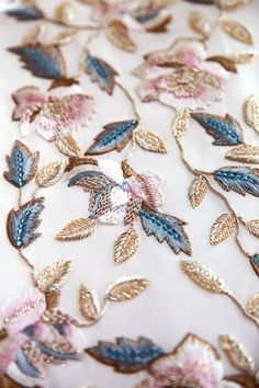 Embroidery Fashion Diy Tambour Beading 46 Super Ideas Source by Tambour Beading, Tambour Embroidery, Couture Embroidery, Embroidery Fashion, Beaded Embroidery, Embroidery Stitches, Hand Embroidery, Embroidery Designs, Zardosi Embroidery