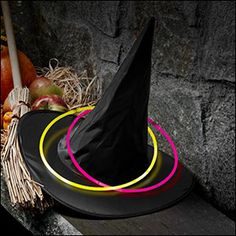 Halloween / Activities / Witch's hat ring toss