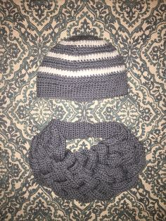 Cozy necklace and classic cozy hat