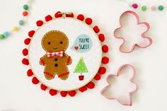 Sweet Gingerbread Embroidery Hoop Art - The Crafting Chicks